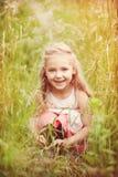 dziewczyna portreta mały cukierki Fotografia Stock
