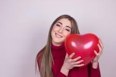 Dziewczyna portreta miłości serce odizolowywający obrazy royalty free