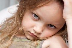 dziewczyna poważna zdjęcie stock