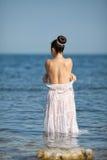 Dziewczyna przy morzem Obrazy Royalty Free