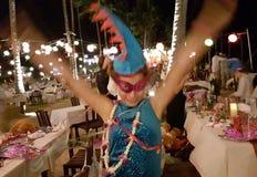 Dziewczyna przy nowy rok wigilii przyjęciem zdjęcie royalty free