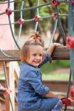 Dziewczyna przy ukierunkowywającym boiskiem obrazy stock