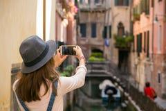 Dziewczyna przy Wenecja Zdjęcie Royalty Free