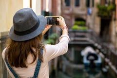 Dziewczyna przy Wenecja Zdjęcie Stock
