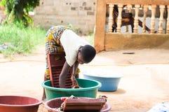 Dziewczyna robi pralni Obraz Royalty Free