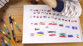 Dziewczyna rysuje flaga krajów zdjęcie wideo