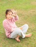 Dziewczyna rysunek na ręce Zdjęcie Stock