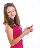 Dziewczyna słucha muzykę. obraz royalty free