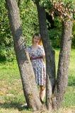 dziewczyna spacer Zdjęcia Royalty Free