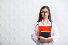 Dziewczyna student medycyny zdjęcia stock
