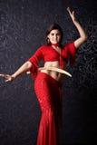 Dziewczyna tanów wschodni taniec z saber Obrazy Royalty Free