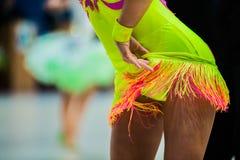 Dziewczyna tancerze na sala balowa tanu Zdjęcia Stock