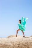 Dziewczyna taniec w wiatrze Obrazy Stock