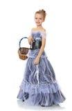 Dziewczyna trzyma łozinowego kosz Obrazy Royalty Free