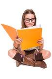 Dziewczyna trzyma sketchbook zdjęcie stock