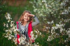 Dziewczyna uśmiechy i szczęśliwy Zdjęcie Stock