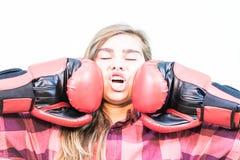Dziewczyna uderza pięścią Zdjęcie Royalty Free