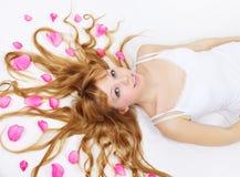 dziewczyna włosy jej płatki dosyć wzrastali Obrazy Royalty Free