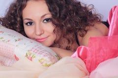 Dziewczyna w łóżku Obraz Stock