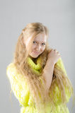 Dziewczyna w żółtym bydle Obrazy Stock
