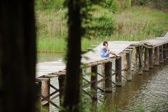 Mieć odpoczynek na moscie Fotografia Royalty Free