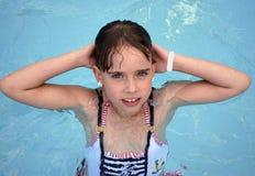 Dziewczyna w basenie Obrazy Royalty Free