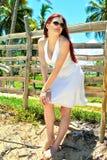 Dziewczyna w biel sukni Obraz Royalty Free