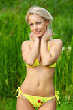 Dziewczyna w bikini Zdjęcia Stock