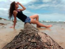 Dziewczyna w Brazylia plaży zdjęcia royalty free