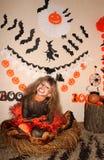 Dziewczyna w czarownica kostiumu Obrazy Stock