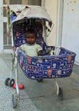 Dziewczyna w dziecko frachcie, Jaipur Obrazy Stock