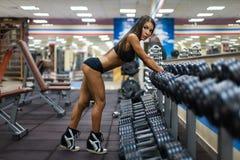 Dziewczyna w gym zdjęcie stock