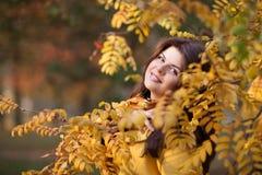 Dziewczyna w jesieni Obraz Royalty Free