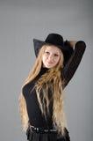 Dziewczyna w kapeluszowej i czarnej sukni Obrazy Royalty Free