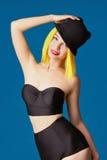 Dziewczyna w kapeluszowym i Żółtym włosy Zdjęcie Stock