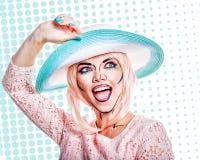 Dziewczyna w kapeluszu z makeup w stylu wystrzał sztuki Fotografia Royalty Free