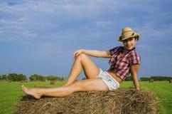 Dziewczyna w kowbojskim kapeluszu Zdjęcia Stock
