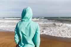 Dziewczyna w kurtce z kapiszonem Fotografia Stock