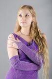 Dziewczyna w lawendowej sukni Zdjęcia Royalty Free