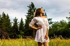 Dziewczyna w lesie Zdjęcie Stock
