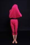 Dziewczyna w niezwykłym odziewa abstrakcjonistyczna mody sztuka Obraz Royalty Free