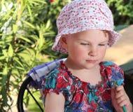Dziewczyna w ogródzie Fotografia Royalty Free