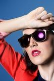 Dziewczyna w okularach przeciwsłonecznych Obrazy Stock
