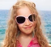 Dziewczyna w okularach przeciwsłoneczne Obrazy Royalty Free