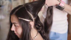 Dziewczyna w piękno salonie zdjęcie wideo