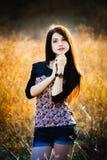 Dziewczyna w polu Zdjęcia Royalty Free