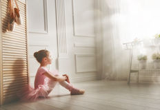 Dziewczyna w różowej spódniczce baletnicy Fotografia Stock