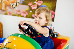 Dziewczyna w samochodzie Zdjęcia Royalty Free