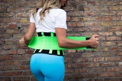 Dziewczyna w sportswear z gorsecikiem Fotografia Royalty Free