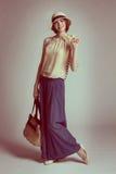 Dziewczyna w sukni w retro stylu Fotografia Royalty Free